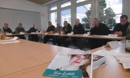 Hausmeister und technische Mitarbeiter der Kath. Behindertenhilfe beim Austauschtreffen in Hildesheim